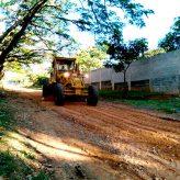 Avenidas Pau Brasil e Primaveras no Goiabal recebem serviços de manutenção