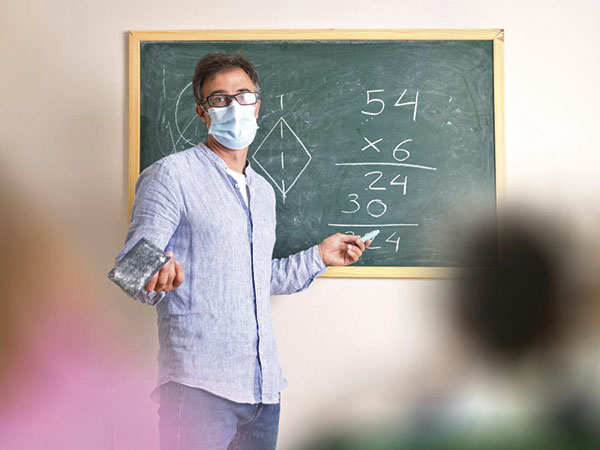 Covid-19: Profissionais de educação serão vacinados somente no Ciaf na terça-feira