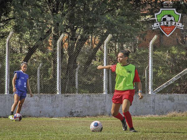 Time de futebol feminino profissional de Pinda tem peneira no fim de semana