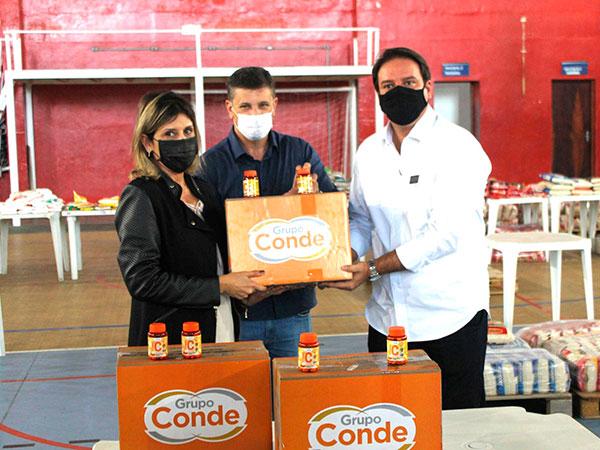 Farma Conde entrega 500 cestas básicas para o Fundo Social
