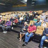 Prefeitura realiza reunião com feirantes; Prazo para regularização encerra nesta 6ª feira