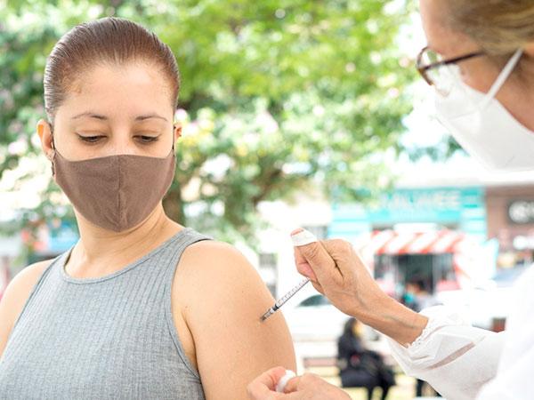 Covid-19: Pessoas com  26 anos ou mais serão vacinadas nesta sexta-feira
