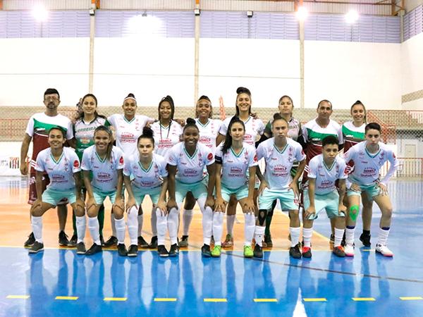 Time de futsal feminino faz 6 a 0 no Praia Grande e já pensa no Santos