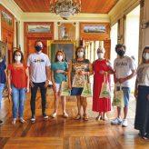 Família de Caxias do Sul é recepcionada em Pinda