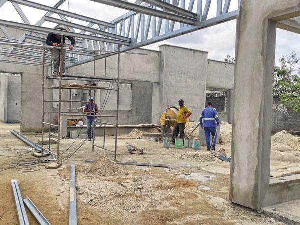 Obras de construção da Creche do Parque das Palmeiras seguem em execução
